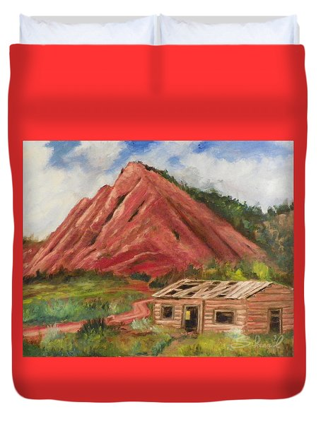 Red Hill And Cabin Duvet Cover