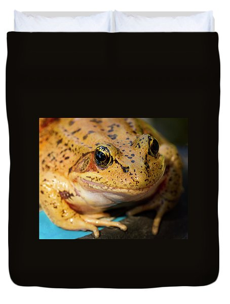 Duvet Cover featuring the photograph Red Leg Frog by Jean Noren