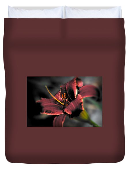 Red Lilly2 Duvet Cover