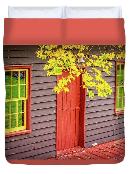 Red Mill Door In Fall Duvet Cover