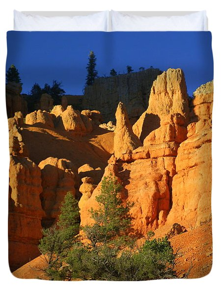 Red Rock Canoyon At Sunset Duvet Cover by Marty Koch