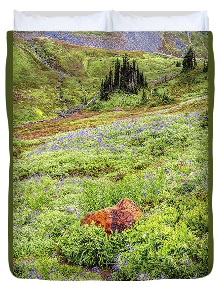 Red Rock Of Rainier Duvet Cover