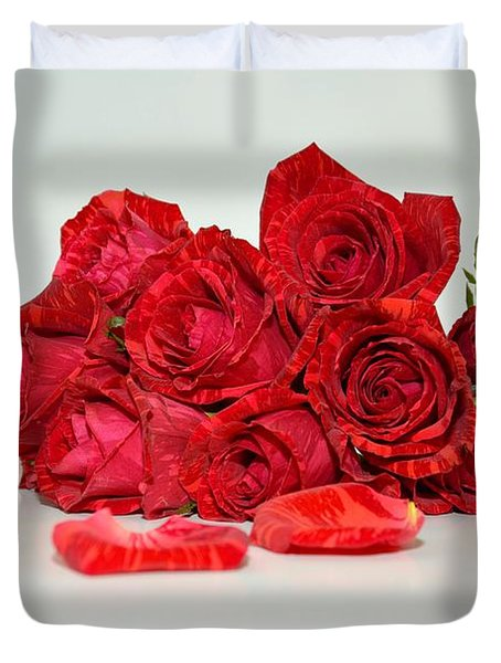 Red Roses And Rose Petals Duvet Cover