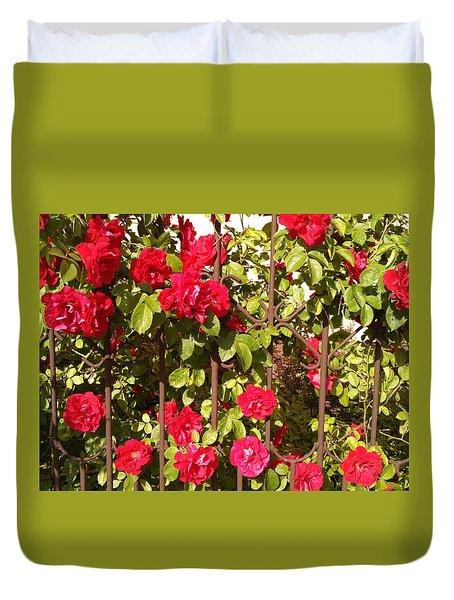 Red Roses In Summertime Duvet Cover by Arletta Cwalina