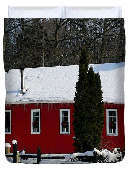 Red Schoolhouse At Christmas Duvet Cover