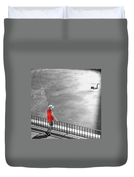 Red Shirt, Black Swanla Seu, Palma De Duvet Cover by John Edwards