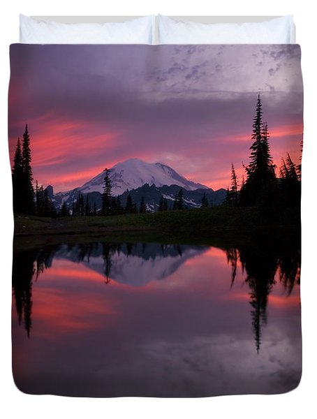 Red Sky At Night Duvet Cover by Mike  Dawson