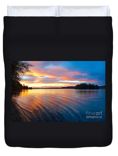 Red Sky At Night Duvet Cover by Sean Griffin
