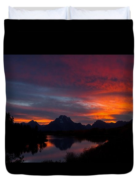 Red Sky At Oxbow Duvet Cover