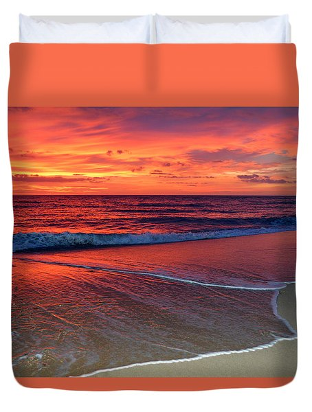 Red Sky In Morning Duvet Cover by Dianne Cowen