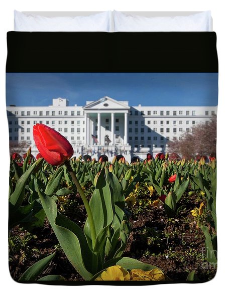 Red Tulip At The Greenbrier Duvet Cover by Laurinda Bowling