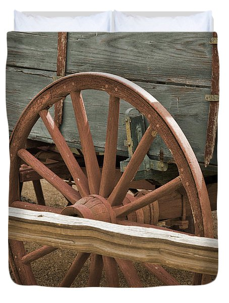 Red Wagon Wheel Duvet Cover