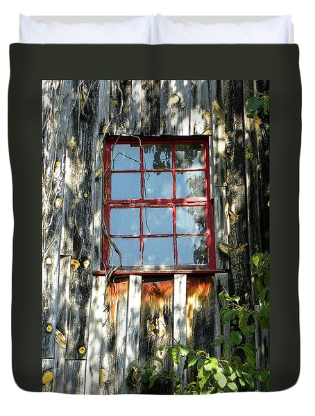 Duvet Cover featuring the photograph The Red Window by Sandi OReilly