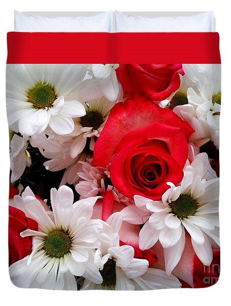 Red,white, Roses And Daisies Bouquet Duvet Cover