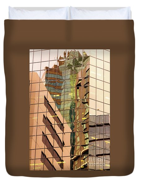 Reflecting Eagle 4 Duvet Cover