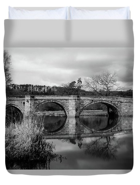 Reflecting Oval Stone Bridge In Blanc And White Duvet Cover
