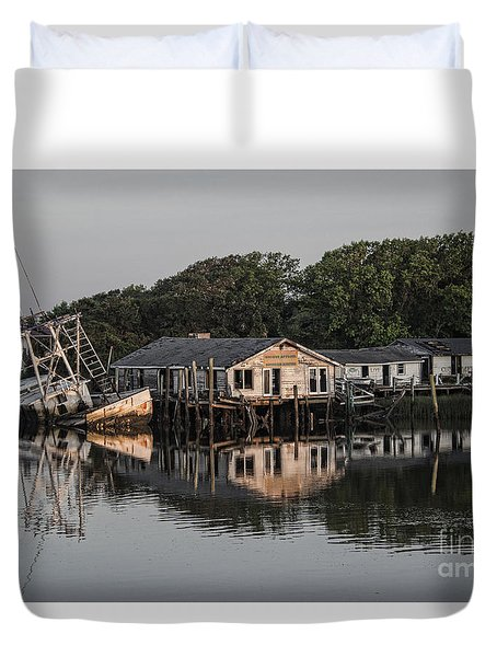 Water Reflection  Duvet Cover
