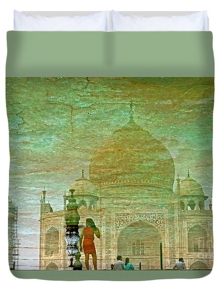 Reflections At The Taj Duvet Cover