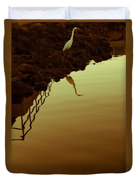 Duvet Cover featuring the photograph Elegant Bird by Lora Lee Chapman