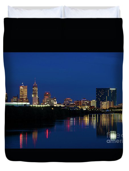 Duvet Cover featuring the photograph Reflections Of Indy - D009911 by Daniel Dempster