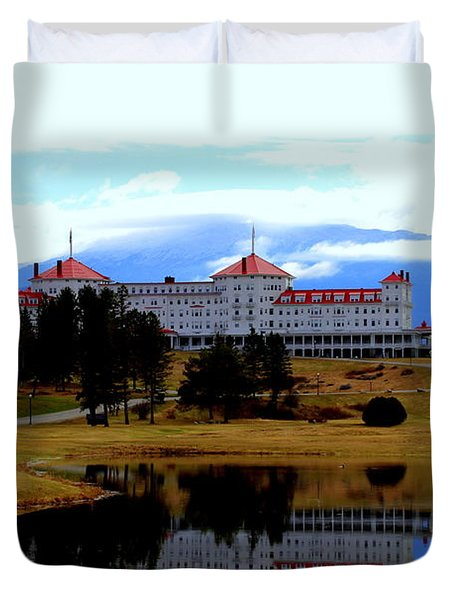Reflections  Of The Mt Washington Duvet Cover