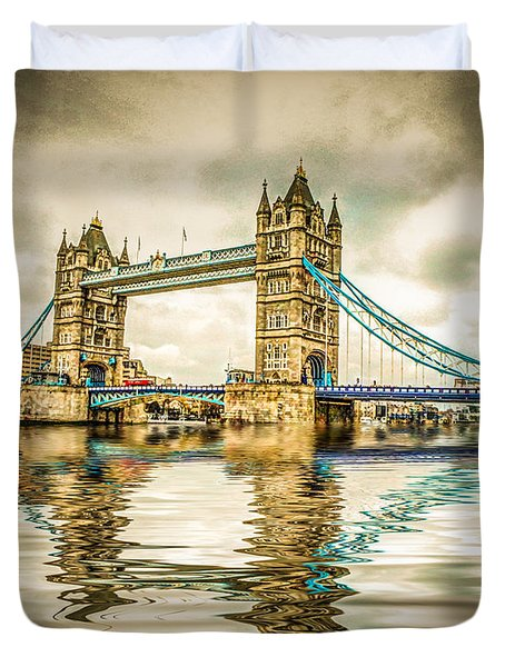Reflections On Tower Bridge Duvet Cover
