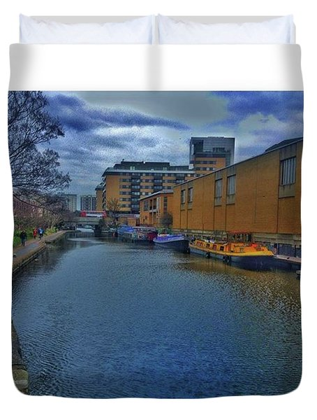 #regents #canal #london #boats #ripples Duvet Cover