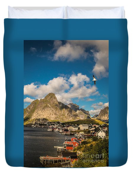 Reine In The Sun Duvet Cover