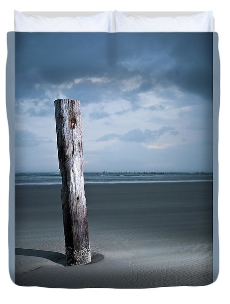 Remnant Of The Past On Outer Banks Duvet Cover by Dan Carmichael
