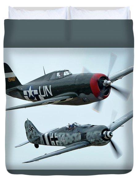Republic P-47g Thunderbolt Nx3395g Focke Wulf Fw 190a-9 N190rf Chino California April 30 2016 Duvet Cover by Brian Lockett