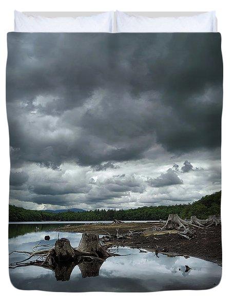 Reservoir Logs Duvet Cover