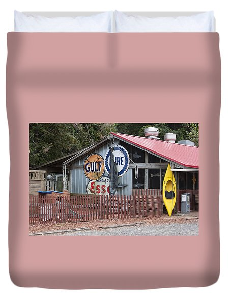 Restaurant In Murrells Inlet Duvet Cover by Suzanne Gaff