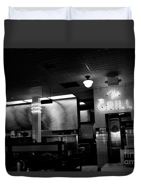 Retro Diner In Athens, Georgia -black And White Duvet Cover