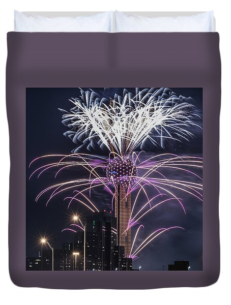 Duvet Cover featuring the photograph Reunion Tower Fireworks by Robert Bellomy