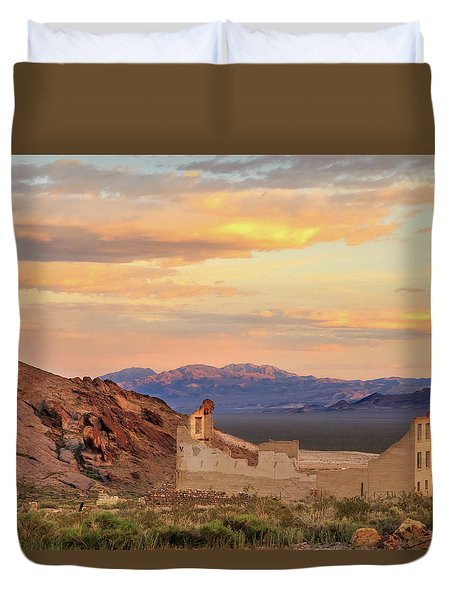 Duvet Cover featuring the photograph Rhyolite Bank At Sunset by James Eddy