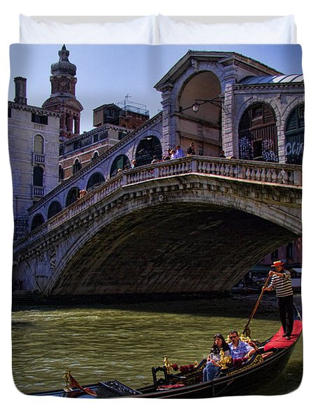 Rialto Bridge In Venice Italy Duvet Cover