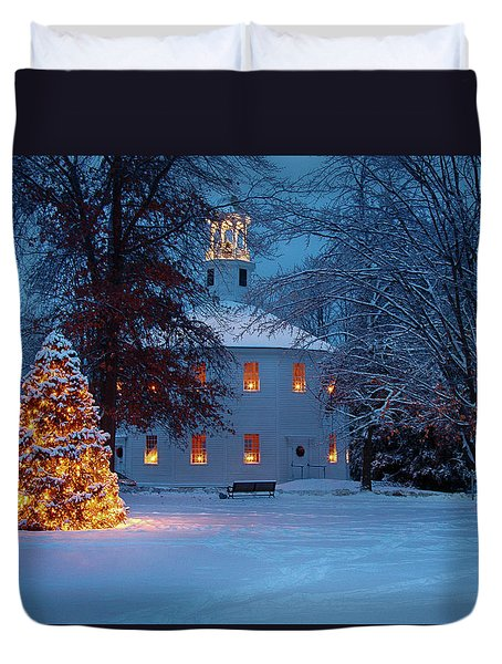 Richmond Vermont Round Church At Christmas Duvet Cover