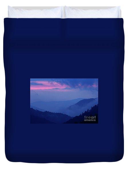 Duvet Cover featuring the photograph Ridges - D000023 by Daniel Dempster