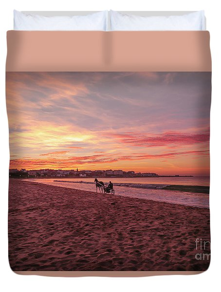 Duvet Cover featuring the photograph Riding Home by Roy McPeak