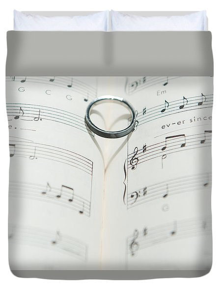 Ring Heart Shadow II Duvet Cover