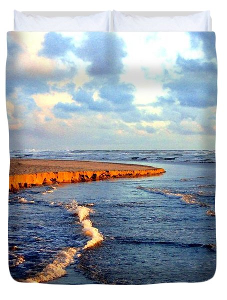 Rising Tide At Sundown  Duvet Cover