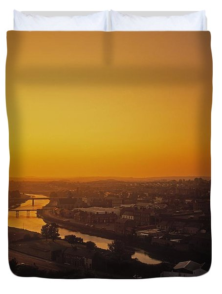 River Boyne, Drogheda, Co Louth, Ireland Duvet Cover by The Irish Image Collection