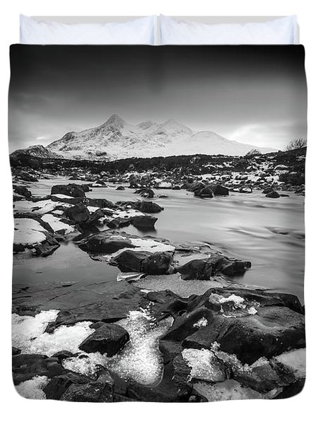 River Sligachan And Black Cuillin, Isle Of Skye Duvet Cover