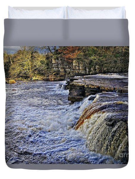 River Swale At Richmond Yorkshire Duvet Cover