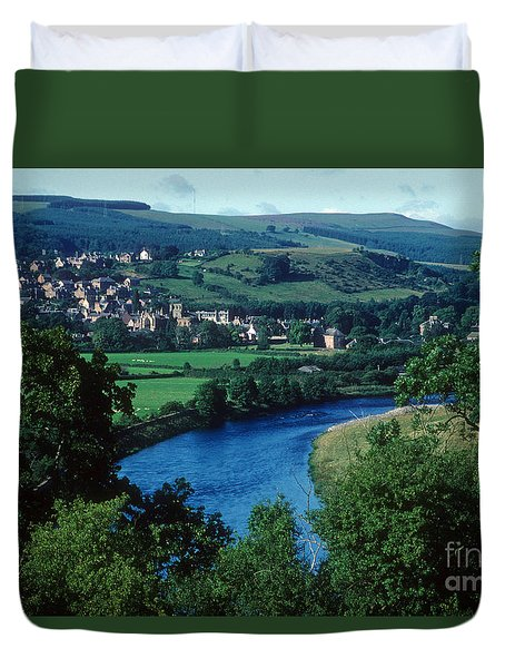 River Tweed And Melrose Duvet Cover