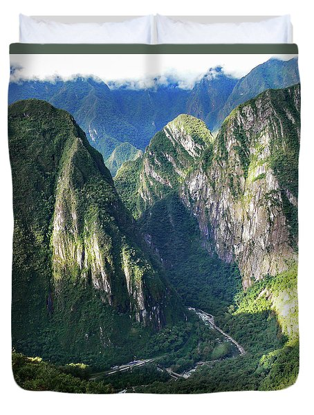 Road To Machu Picchu  Duvet Cover by Allen Sheffield