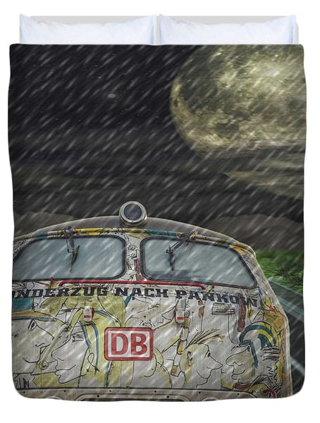 Road Trip In The Rain Duvet Cover