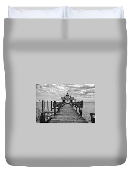 Duvet Cover featuring the photograph Roanoke Marshes Light by David Sutton