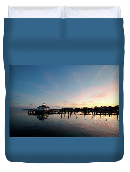 Duvet Cover featuring the photograph Roanoke Marshes Lighthouse At Dusk by David Sutton