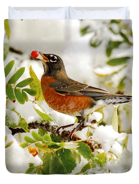 Robin And First Snowfall Duvet Cover